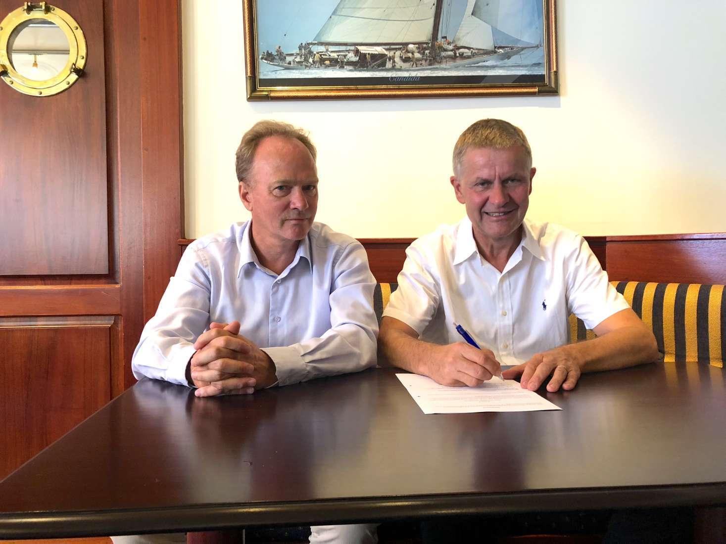 Eirik Oland fra Handelens Miljøfond og Erik Solheim fra FNs miljøprogram