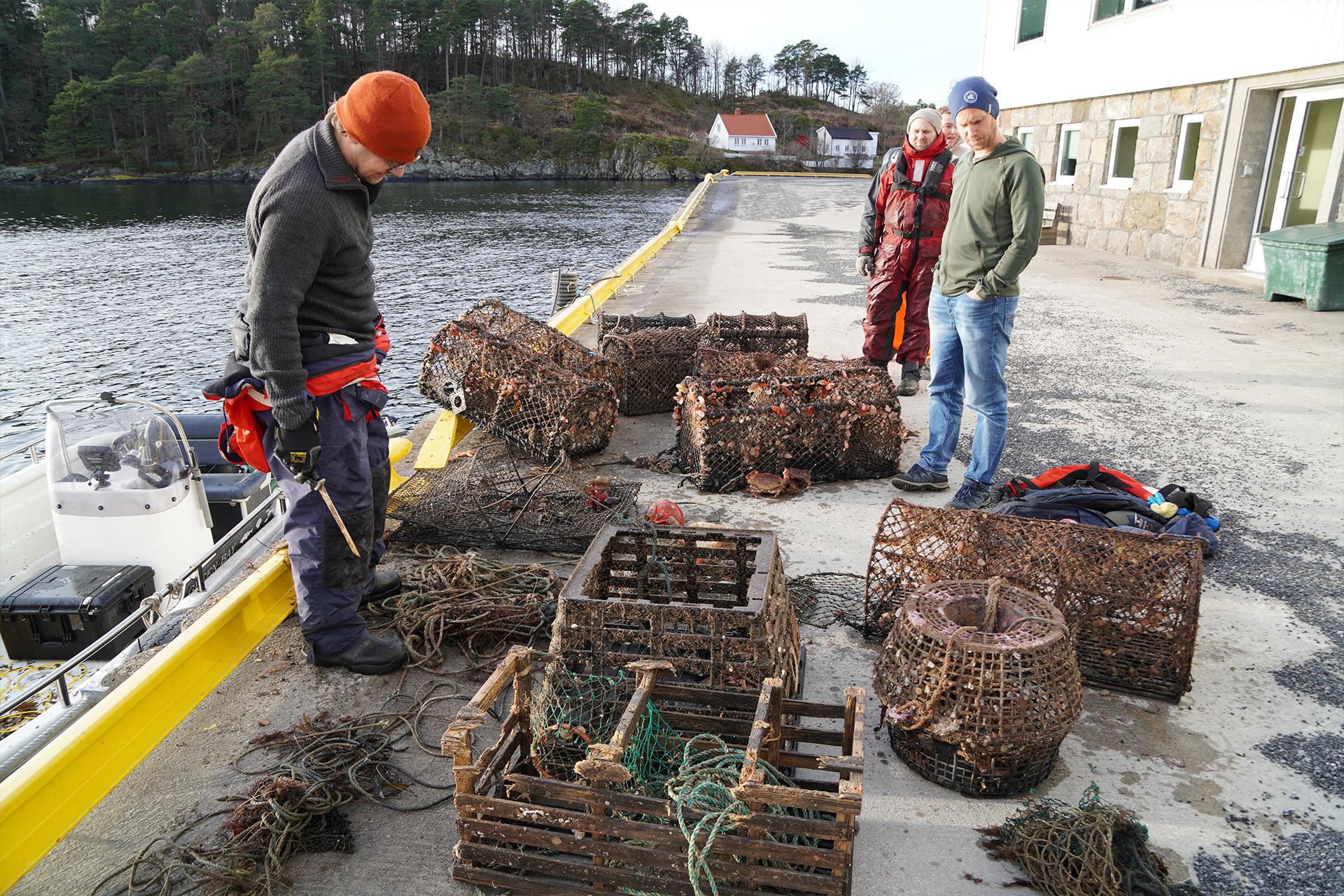Fiskeredskap tatt opp og ryddet fra havbunnen.