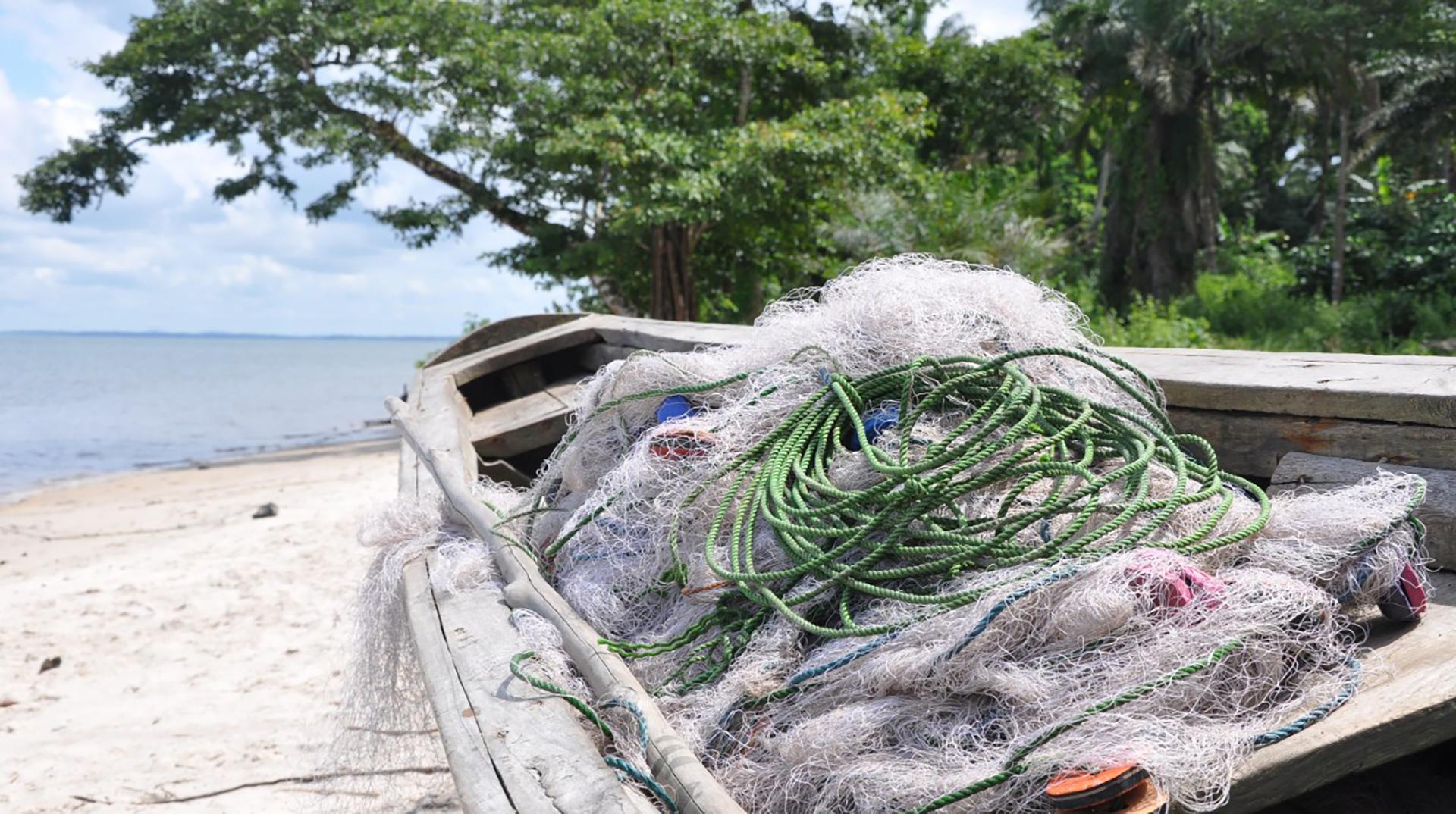 Fiskegarn i båt i Thailand